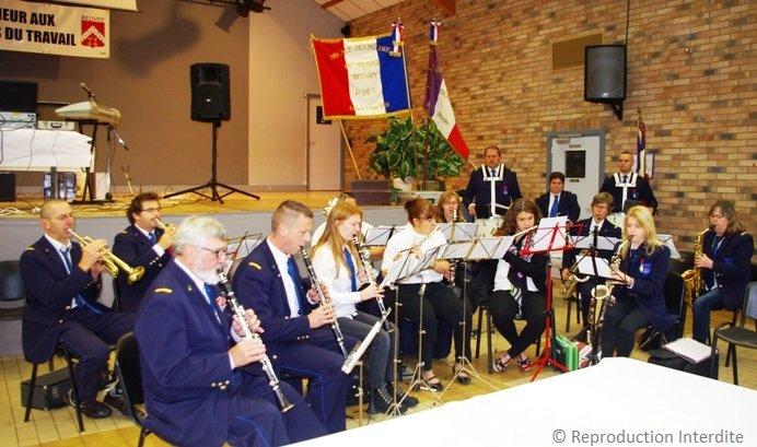 Sorties de l'harmonie de Beuvry dans Festivités decores-du-travail-beuvry-02-10-2016-3