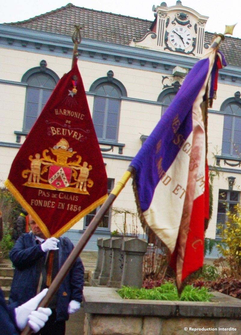 Dernière sortie à Beuvry pour le fanion fédéral dans Harmonie de Beuvry defile-11-02-2017-11